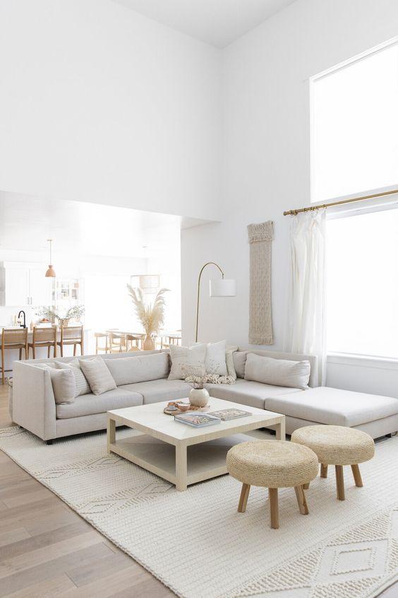 White Living Room Decoration