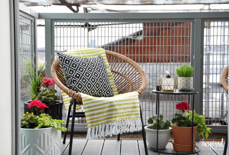 selecting balcony furniture