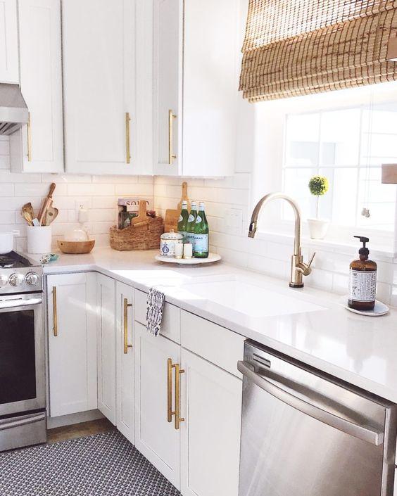 Tropical Kitchen Design Ideas